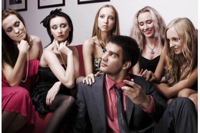 【要注意】騙されないで!女遊びが好きな男性の4つの特徴