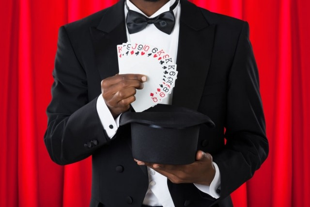 【合コンで使えばモテる】練習すれば誰でもできる簡単マジック!
