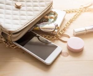 【男の理想が崩壊】女子のバッグは綺麗であれ!男性にひかれるバッグの中身