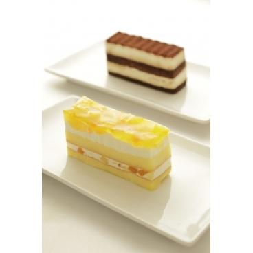 ティラミス/リンゴと桃のケーキ(どちらか一つ)