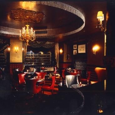 Tableaux Lounge(タブローズ ラウンジ)